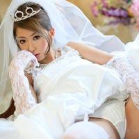 新婚の時を忘れない為に一度はしたいウェディングドレスのままの性交(←理由は別だけどw)