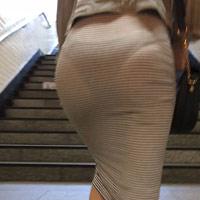 隠し撮りされてラインのわかるお尻や透けてるエロ画像ww