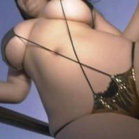乳がでかすぎて約8割ほど出ちゃってる桐山瑠衣のムチムチ巨乳ww