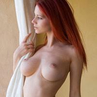 赤毛のアリエルのヌードがキレイすぎて溜息出るレベル!!